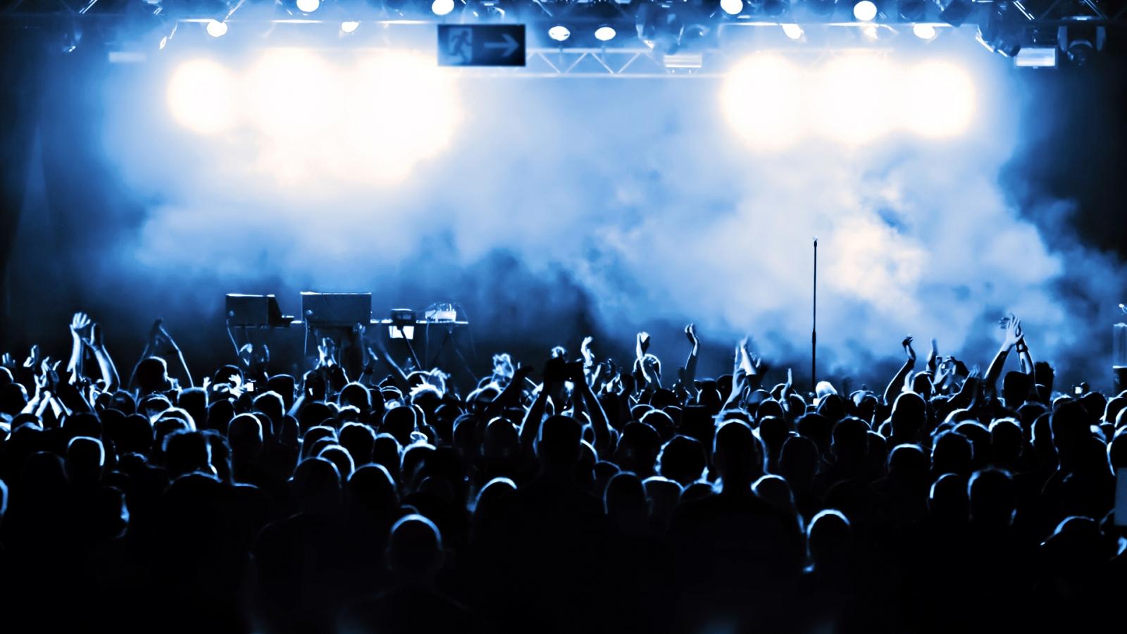 5383b5f7a8537_concert.jpg